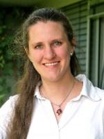 Dr. Claudia Pacholski